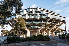 Βιβλιοθήκη Geisel στην πανεπιστημιούπολη UCSD Στοκ Εικόνες