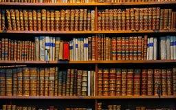 Βιβλία βιβλιοθήκης Στοκ Φωτογραφία