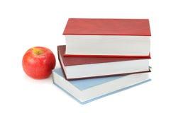 Βιβλία και Apple Στοκ εικόνα με δικαίωμα ελεύθερης χρήσης