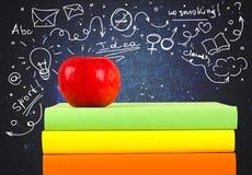 βιβλία μήλων Στοκ Εικόνες