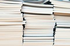 βιβλία που συσσωρεύοντ&a Στοκ Φωτογραφία
