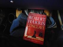 Βιβλίο κονκλαβίου του Robert Harris στοκ φωτογραφίες με δικαίωμα ελεύθερης χρήσης