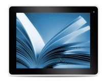 Βιβλίο στην οθόνη ταμπλετών υπολογιστών Να διαβάσει on-line Στοκ φωτογραφία με δικαίωμα ελεύθερης χρήσης