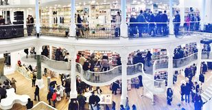 Βιβλιοθήκη καφέδων Στοκ εικόνες με δικαίωμα ελεύθερης χρήσης