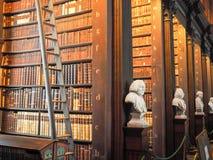 Βιβλιοθήκη κολλεγίου τριάδας στο Δουβλίνο Στοκ φωτογραφία με δικαίωμα ελεύθερης χρήσης