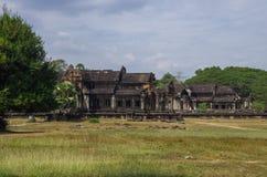 Βιβλιοθήκη νότου και του Βορρά Angkor Wat - Khmer ναός σε Siem Rea Στοκ Εικόνες