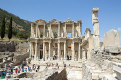 Βιβλιοθήκη Ephesus αρχαίου Έλληνα στοκ εικόνα με δικαίωμα ελεύθερης χρήσης