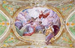 ΒΙΕΝΝΗ, ΑΥΣΤΡΙΑ - 19 ΔΕΚΕΜΒΡΊΟΥ 2016: Η ανώτατη νωπογραφία Annunciation στην εκκλησία Mariahilfer Kirche Στοκ φωτογραφίες με δικαίωμα ελεύθερης χρήσης
