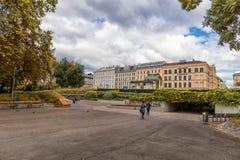 ΒΙΕΝΝΗ, ΑΥΣΤΡΙΑ - 10 ΟΚΤΩΒΡΊΟΥ 2016: Karlsplatz και πάρκο Resselpark στη Βιέννη, Αυστρία Στοκ Εικόνες