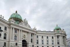 ΒΙΕΝΝΗ, AUSTRIA/EUROPE - 22 ΣΕΠΤΕΜΒΡΊΟΥ: Hofburg σε Heldenplatz ι στοκ φωτογραφία