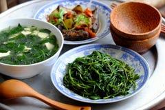 Βιετναμέζικα τρόφιμα, οικογενειακό γεύμα, χρόνος γευμάτων Στοκ φωτογραφίες με δικαίωμα ελεύθερης χρήσης