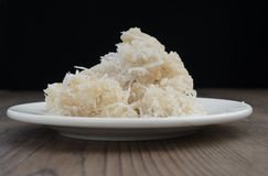 Βιετναμέζικες γλυκές νιφάδες ρυζιού και τμήμα COM καρύδων στοκ εικόνα με δικαίωμα ελεύθερης χρήσης