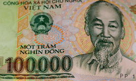 Βιετναμέζικη σημείωση νομίσματος ήχων καμπάνας χρημάτων 100k Στοκ Εικόνα