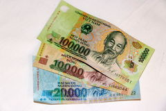 Βιετναμέζικη σημείωση νομίσματος ήχων καμπάνας χρημάτων 100k Στοκ φωτογραφία με δικαίωμα ελεύθερης χρήσης