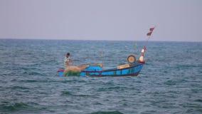Βιετναμέζικο δίκτυο ρίψεων αλιευτικών σκαφών Θαλασσών της Νότιας Κίνας απόθεμα βίντεο