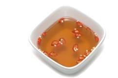 Βιετναμέζικο κόκκινο τσίλι κύπελλων σάλτσας ψαριών Στοκ Φωτογραφίες