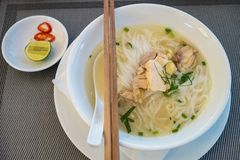 Βιετναμέζικο τόξο σούπας νουντλς ρυζιού κοτόπουλου Στοκ φωτογραφίες με δικαίωμα ελεύθερης χρήσης