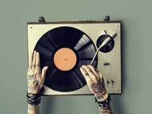 Βινυλίου ακουστική μουσικής έννοια τέχνης δερματοστιξιών ρυθμού παίζοντας στοκ φωτογραφία με δικαίωμα ελεύθερης χρήσης