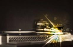 Βινύλιο παιχνιδιού φορέων μουσικής με τις γραμμές πυράκτωσης που προέρχονται από την ανάγκη Στοκ Εικόνες