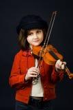 βιολί άσκησης κοριτσιών στοκ φωτογραφίες με δικαίωμα ελεύθερης χρήσης