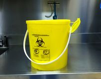 Βιολογικά επικίνδυνο αιχμηρό εμπορευματοκιβώτιο στοκ φωτογραφίες