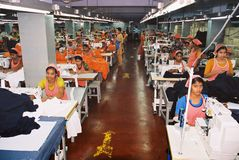 Βιομηχανία ενδυμάτων στο Μπανγκλαντές στοκ φωτογραφία