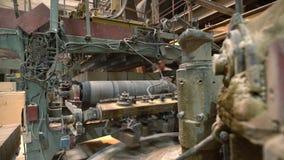 Βιομηχανία τούβλου Άποψη της μηχανής στο εργαστήριο απόθεμα βίντεο