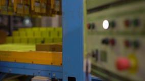 Βιομηχανία τούβλου Άποψη του πίνακα ελέγχου στο εργαστήριο φιλμ μικρού μήκους