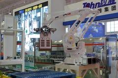 Βιομηχανικά προϊόντα χειρισμού ρομπότ Στοκ Φωτογραφίες