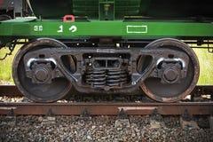 Βιομηχανικές ρόδες αυτοκινήτων ραγών Στοκ Φωτογραφία