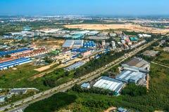 Βιομηχανική ανάπτυξη εδάφους κτημάτων κατοικημένη στην Ασία Στοκ Εικόνες