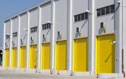 βιομηχανική αποθήκη εμπορευμάτων Στοκ εικόνα με δικαίωμα ελεύθερης χρήσης