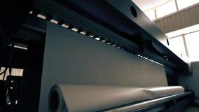 Βιομηχανική μηχανή εκτύπωσης στην άποψη εργαστηρίων απόθεμα βίντεο