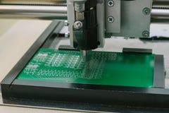 Βιομηχανική παραγωγή των μικροκυκλωμάτων κυκλωμάτων Κατασκευή των τμημάτων και των πινάκων υπολογιστών Στοκ Εικόνες