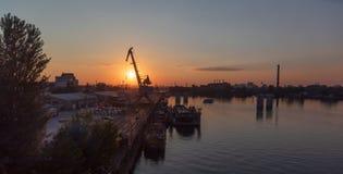 Βιομηχανική περιοχή της άποψης του Κίεβου από τη γέφυρα Rybalskii Στοκ Φωτογραφία