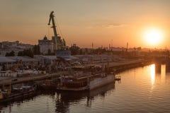 Βιομηχανική περιοχή της άποψης του Κίεβου από τη γέφυρα Rybalskii Στοκ φωτογραφίες με δικαίωμα ελεύθερης χρήσης