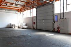 Βιομηχανική πόρτα γκαράζ Στοκ Φωτογραφία