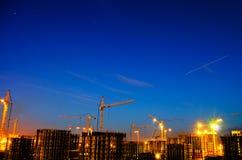 Βιομηχανική πόλη νύχτας κατασκευής Στοκ Εικόνα