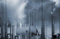 βιομηχανική ρύπανση πετρε&la Στοκ Φωτογραφία