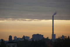 Βιομηχανική ρύπανση στη γη Στοκ φωτογραφία με δικαίωμα ελεύθερης χρήσης