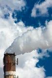 βιομηχανική στοίβα καπνού Στοκ εικόνες με δικαίωμα ελεύθερης χρήσης