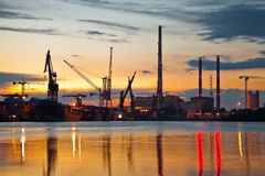 βιομηχανική όψη ηλιοβασι&la Στοκ Εικόνες