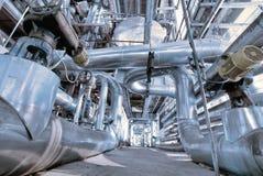 Βιομηχανικοί σωληνώσεις και εξοπλισμός χάλυβα Στοκ εικόνα με δικαίωμα ελεύθερης χρήσης