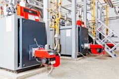 Βιομηχανικός λέβητας με τον καυστήρα αερίου Στοκ Φωτογραφίες