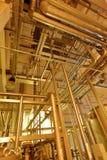 Βιομηχανικός εξοπλισμός στις μονάδες των εγκαταστάσεων για την παραγωγή της μπύρας Στοκ Φωτογραφία