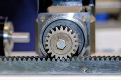 Βιομηχανικός μηχανισμός με τη συνοδόντωση τροχών δοντιών στοκ εικόνες