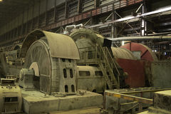 Βιομηχανικός μύλος για τη συντριβή βράχου στοκ φωτογραφίες
