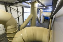 Βιομηχανικός σταθμός νερού και επεξεργασίας λυμάτων Στοκ εικόνα με δικαίωμα ελεύθερης χρήσης