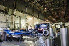Βιομηχανικό εργαστήριο ή υπόστεγο στην παραγωγή των συστημάτων εξαερισμού Μεταλλουργικό εργοστάσιο Στοκ φωτογραφία με δικαίωμα ελεύθερης χρήσης