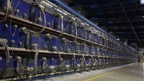 Βιομηχανικό εσωτερικό, κλίβανος σηράγγων για το ψήσιμο των κεραμικών κεραμιδιών, παραγωγή των κεραμικών κεραμιδιών, φούρνος αερίο φιλμ μικρού μήκους